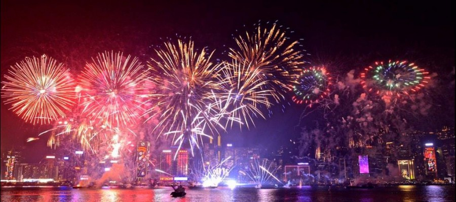 Highlights of New Year 2015 Fireworks Displays Across the Globe